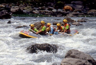 Students rafting at the Taroko National Park